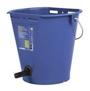 Calf Feeding Bucket with Vital Teat